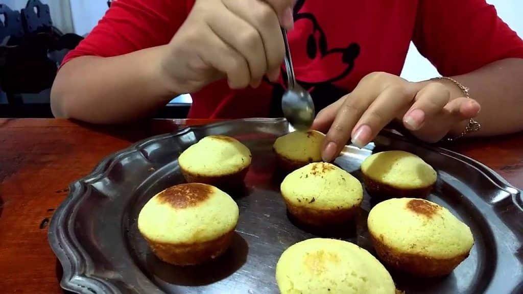 Cupcake de Churros 1 Vídeo do Canal Patrícia Cabral no Youtube, publicado em 2016-05-08 21:54:11 e com 228 views Vivendo de Brigadeiro