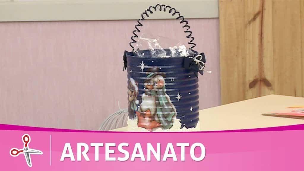 Vida com Arte | Aprenda a pintar uma lata porta panetone por Tatiane Garcia - 28 de Outubro de 2016 3 Vídeo do Canal tvaparecida no Youtube com 3662 views até a data desta publicação. Vivendo de Brigadeiro