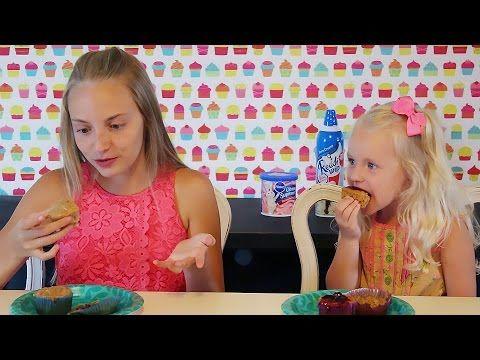 Jaidyn and Sophie's Awesome Cupcake Challenge! 1 Vídeo do Canal SevenPerfectAngels no Youtube, publicado em 2016-08-04 13:30:01 e com 674658 views Vivendo de Brigadeiro