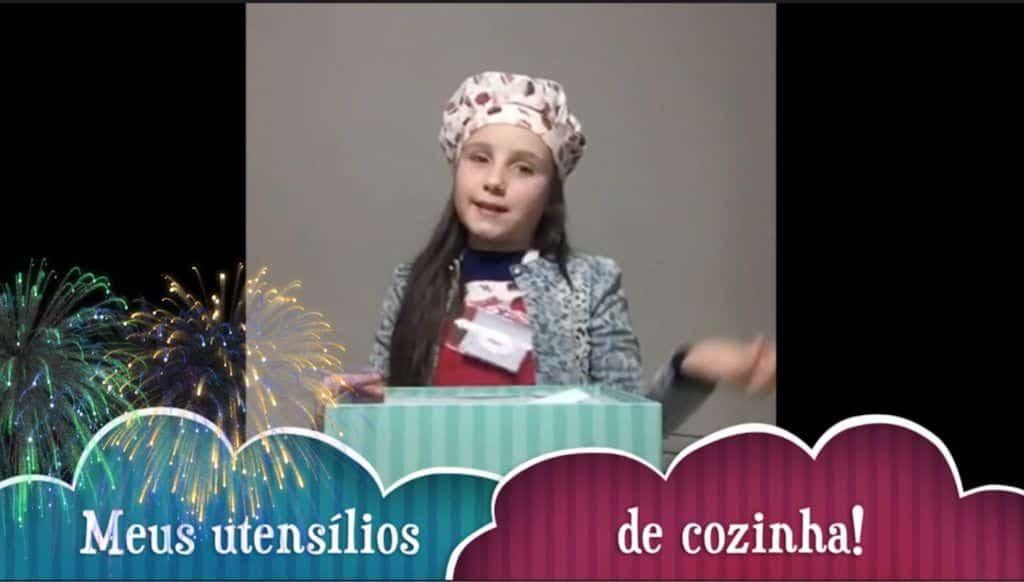 Malu na cozinha!! Cupcake de cenoura delícia! 3 Vídeo do Canal Bonecas da Malu no Youtube, publicado em 2016-07-23 14:38:31 e com 242 views Vivendo de Brigadeiro