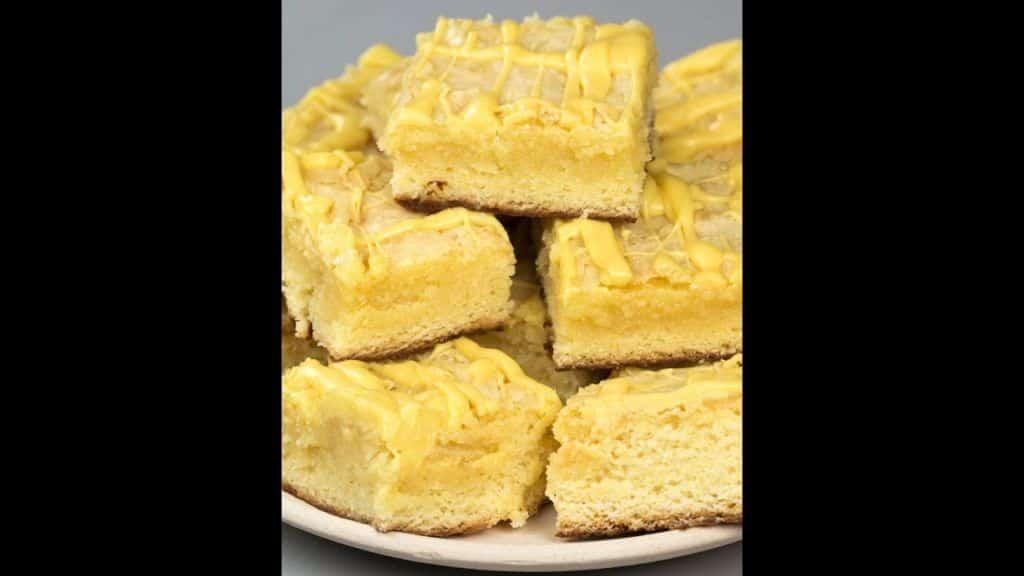 Tasty Demais – Brownie de chocolate branco com cobertura de trufa de maracujá 1 Vídeo do Canal Tasty Demais no Youtube, publicado em 2016-11-04 11:04:29 e com 6898 views Vivendo de Brigadeiro