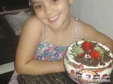 Bolo de Taça Gelado da Julia Beatriz.  9656_88518 2 Vídeo do Canal Júlia Beatriz no Youtube, publicado em 2016-09-19 13:05:27 e com 221 views Vivendo de Brigadeiro