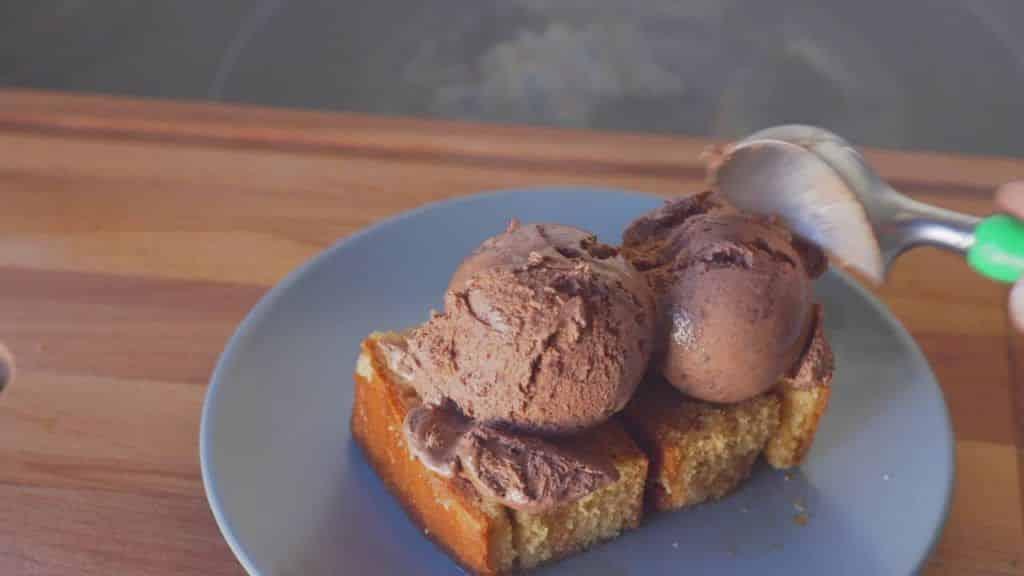Chocolate Belga Bizcocho - Cocinatopia #2 3 Vídeo do Canal Cocina Topia no Youtube, publicado em 2016-10-02 17:05:23 e com 34 views Vivendo de Brigadeiro