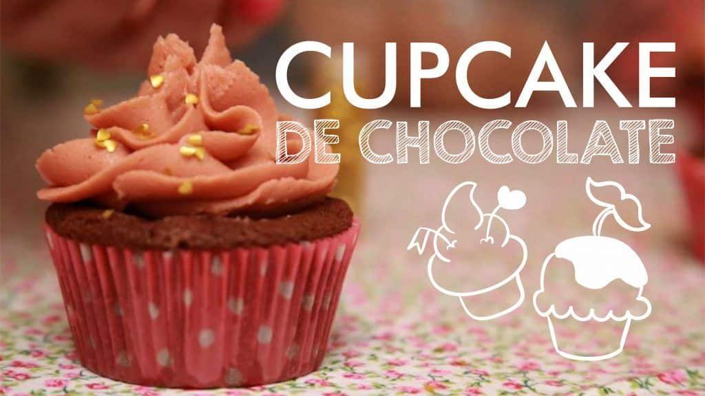 CUPCAKE DE CHOCOLATE com Buttercream (Creme de Manteiga) | Receita #69 TORRADA TORRADA 6 Vídeo do Canal Torrada Torrada no Youtube, publicado em 2014-10-27 19:49:27 e com 31058 views Vivendo de Brigadeiro