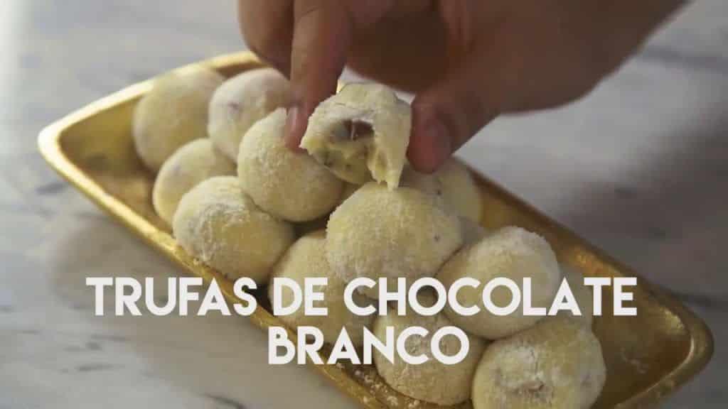 Trufas de Chocolate Branco 5 Vídeo do Canal TUDO GOSTOSO no Youtube, publicado em 2017-01-01 20:21:30 e com 380 views Vivendo de Brigadeiro