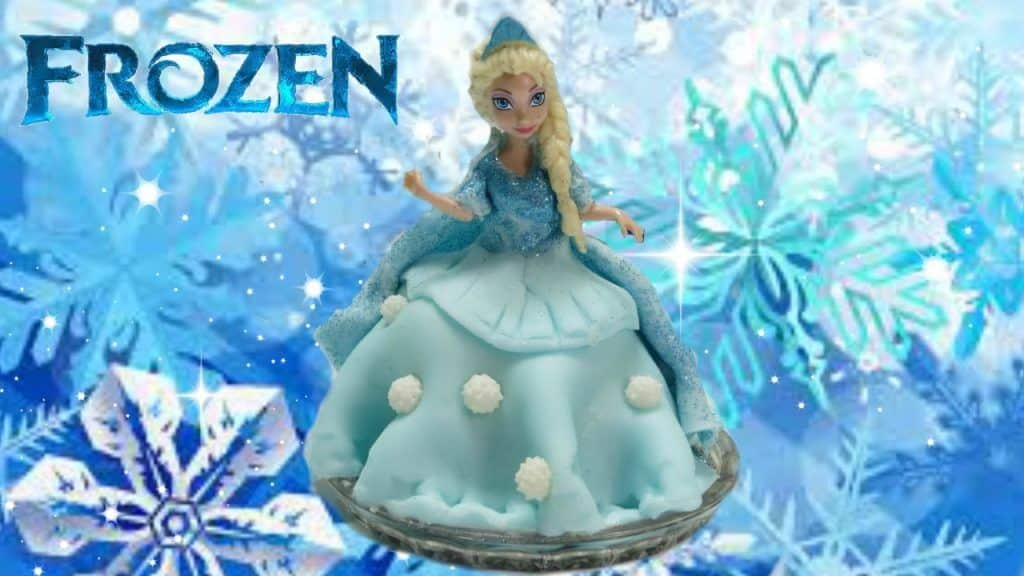 How to make Disney Frozen Queen Elsa Cupcake 4 Vídeo do Canal Disney Toys Fanclub no Youtube, publicado em 2016-01-07 12:11:10 e com 1606 views Vivendo de Brigadeiro