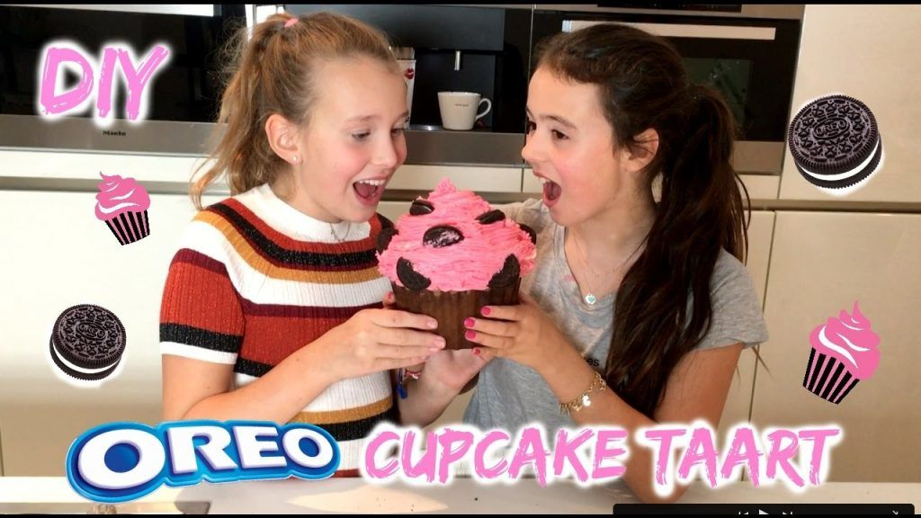 MEGA OREO CUPCAKE TAART BAKKEN! DIY 5 Vídeo do Canal Girlys blog no Youtube, publicado em 2016-11-11 14:40:15 e com 220884 views Vivendo de Brigadeiro