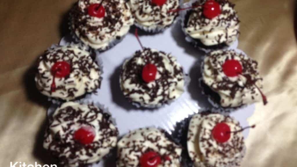 No Bake Blackforest cupcake -- kitchen Channel -- 2 Vídeo do Canal Kitchen Channel no Youtube, publicado em 2016-12-30 04:19:23 e com 18634 views Vivendo de Brigadeiro