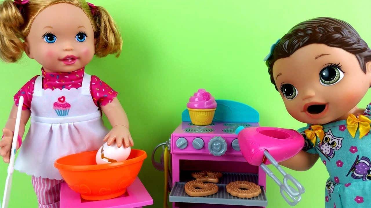 Boneca Little Mommy Pequena Chef Faz Comida Para Baby Alive Lili Com