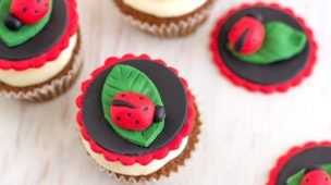 How to make Ladybug Cupcake Toppers | HappyFoods