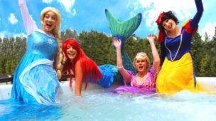 Frozen Elsa & Spiderman PRINCESS PARTY with Rapunzel, Ariel Mermaid, Snow White! w/ Joker & Catwoman