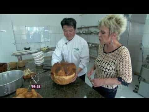 Mais Você  Chef Rogério Shimura prepara rosca gigante 4 ? Este Post é baseado no vídeo do Canal Receitas dos famosos Tv publicado no Youtube, em 2017-01-13 00:12:07 ? Vivendo de Brigadeiro