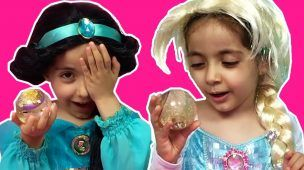 Disney Princesses In Real Life SPECIAL SURPRISE EGGS TEA PARTY Chocolate Cupcake Pillow Fight Candy