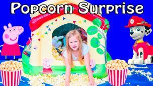 POOL Surprise Popcorn and Cupcake Surprise with Paw Patrol + Peppa PIG Toys Video