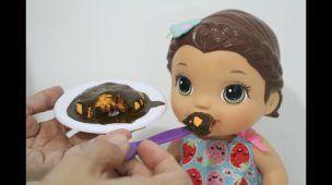 Como fazer BOLO DE CENOURA com pasta de dente para Baby Alive e outras bonecas