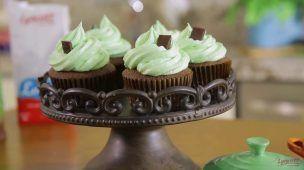 Cupcakes de chocolate con cubierta de menta Lyncott