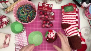 Christmas gift idea: Cupcake socks!