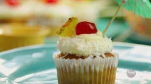 Cupcakes de Piña Colada | Recetas Fáciles - Food Network Latinoamérica