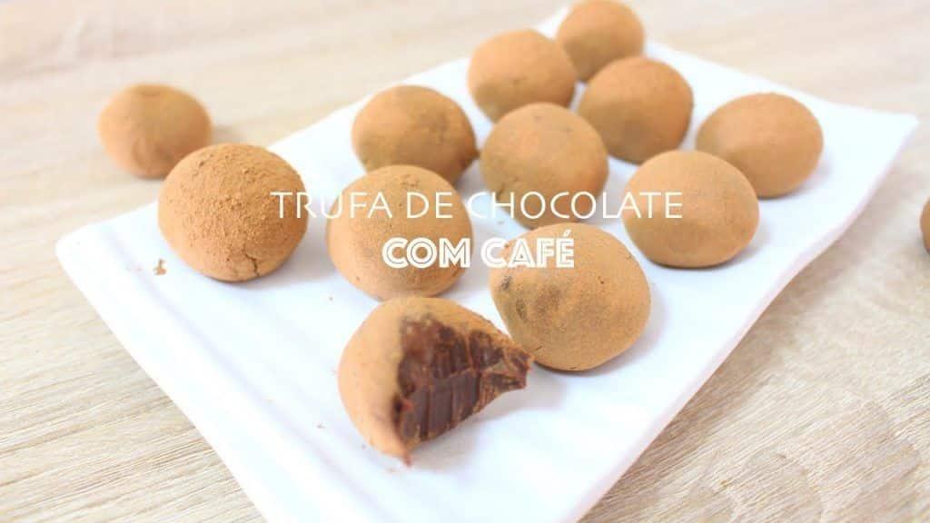 TRUFA DE CHOCOLATE COM CAFÉ - #465 - Receitas da Mussinha 1 Gostaria de aprender + destas receitas já disponibilizadas, clique aqui Vivendo de Brigadeiro