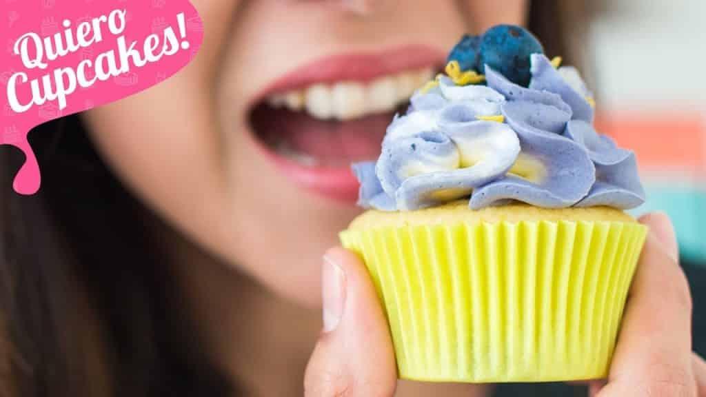 CUPCAKES DE LIMÓN Y ARÁNDANOS | Boquillas twist twist | Quiero Cupcakes!