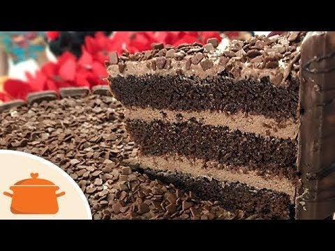 Massa de Chocolate Para Bolo de Aniversário - Receita fácil 1 Gostaria de assistir + destas receitas já disponibilizadas, visite Vivendo de Brigadeiro