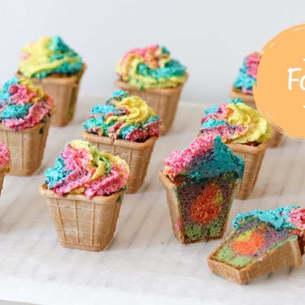 Traktatie inspiratie: Regenboog cupcake ijsjes