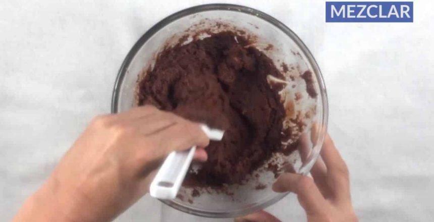 Cocina-en-1-minuto-Trufas-de-chocolate-envinadas.jpg