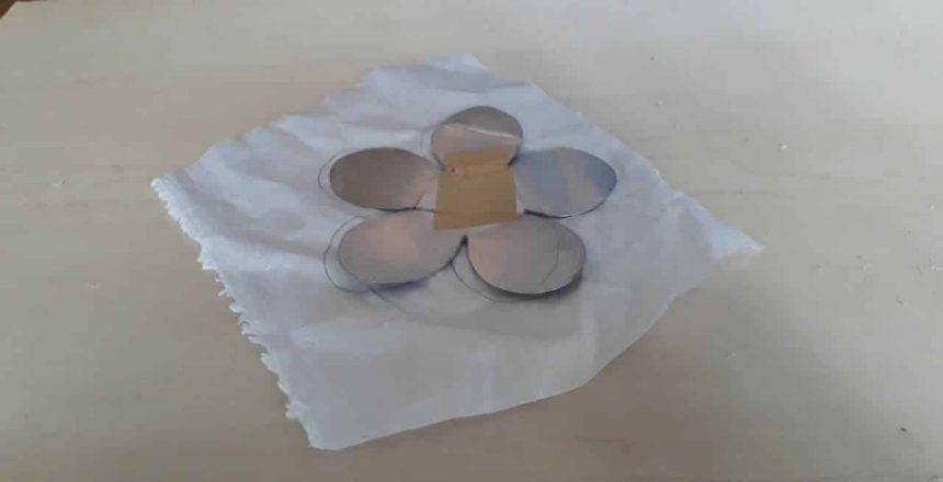 Como fazer forminhas para doces finos em tecido.