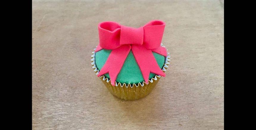 Cupcake de Presente Natalino