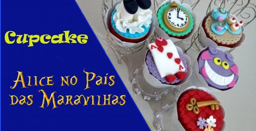 Cupcake personalizado da Alice no País das Maravilhas