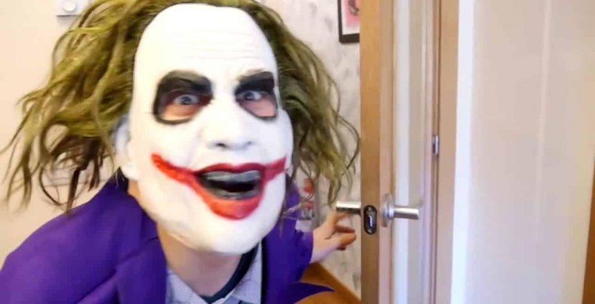 Frozen vs Maleficent Cupcake! w/ Spiderman vs Spiderbaby vs Joker! Funny Superhero In Real Life