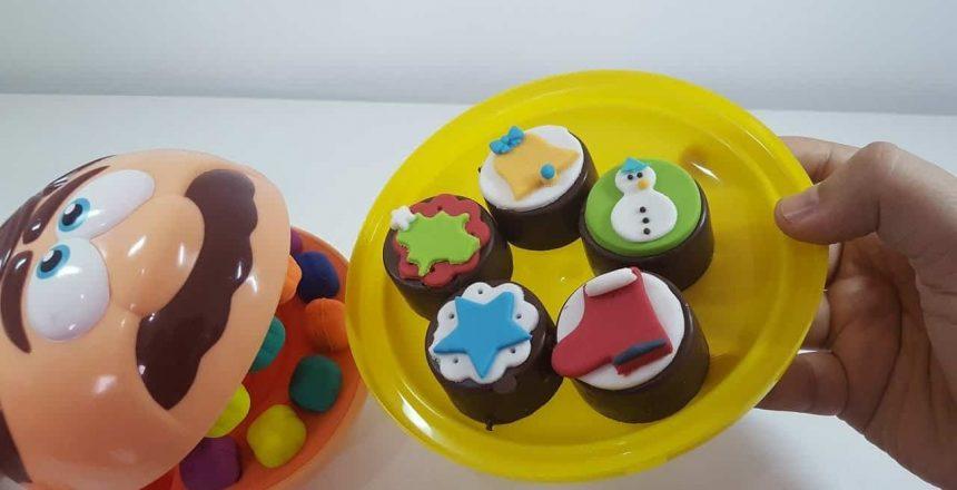 Jose Comilão Play Doh Dentista fazendo e Comendo doces  de Natal Massinha de modelar PlayDoh!!!