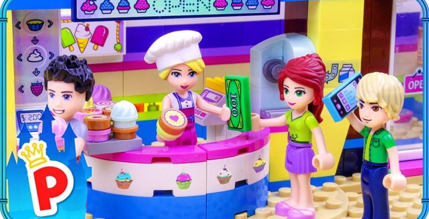 ♥ LEGO Elsa Opens CUPCAKE Cafe with a Bad Ingredient