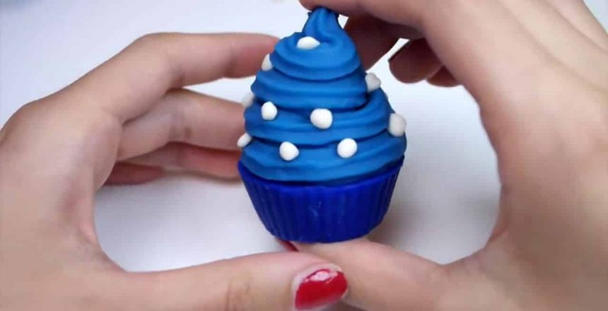 Play doh Frozen Food Cupcake Videos Playdough Creations Huevos Sorpresa