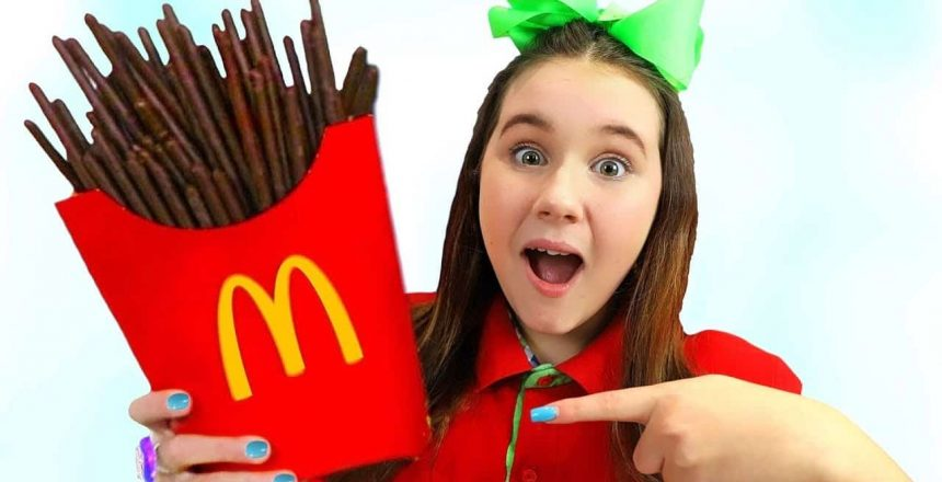 Ruby-e-Bonnie-Finjam-Play-McDonalds-Happy-Meal-Chocolate-Batatas.jpg