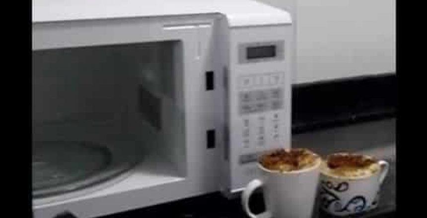 bolo-de-banana-na-caneca-pronto-em-3-minutos-no-microondas.jpg