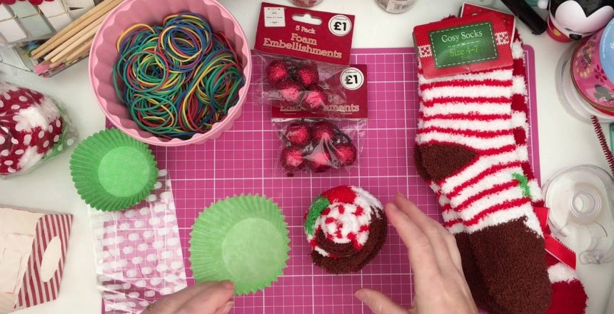Christmas gift idea: Cupcake socks!