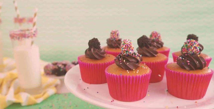 cupcake-de-cenoura-com-brigadeiro.jpg