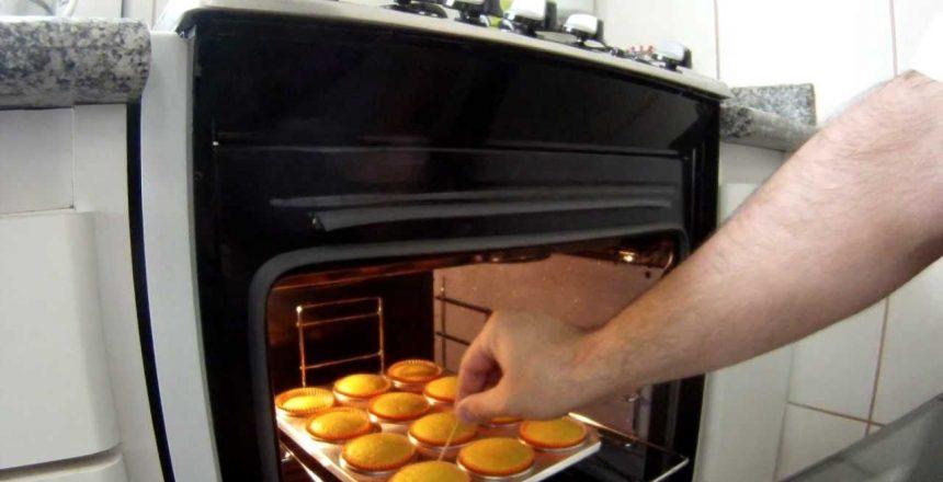cupcake-de-cenoura-com-chocolate-e-avelas.jpg