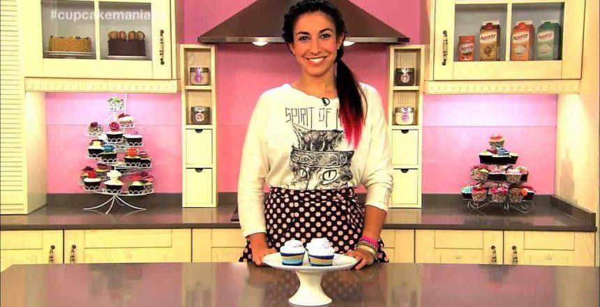 cupcake-maniacs-5-cupcakes-de-chocolate-blanco-decorados-con-nubes-caseras.jpg