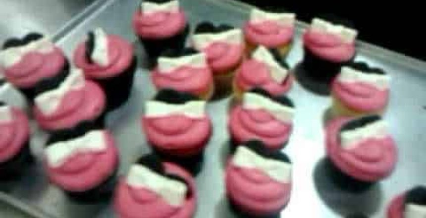 how-to-make-mickey-mouse-cupcake.jpg
