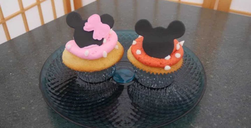 mickey-minnie-mouse-cupcakes.jpg