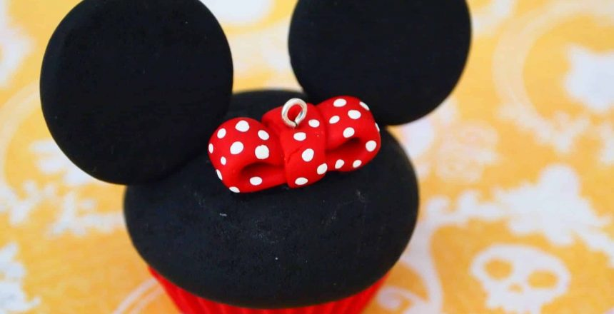 minnie-mouse-cupcake.jpg