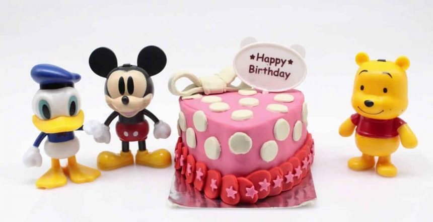 play-doh-birthday-cupcake-eggs-surprise-for-mickey-mouse-clubhouse-minnie-lego-toy-train.jpg
