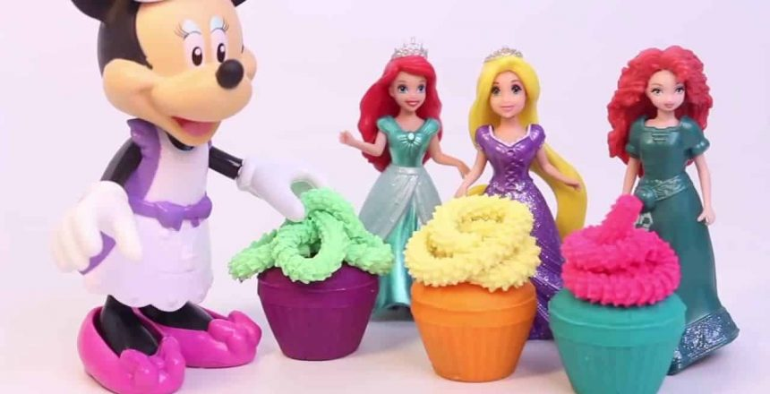 [Play Doh Frozen] Play Doh Minnie Mouse Cupcake Bow-Tique with Princess Anna Disney Frozen Princess